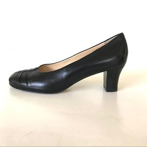 TARYN ROSE Made in Italy Black Leather Pumps 40/10